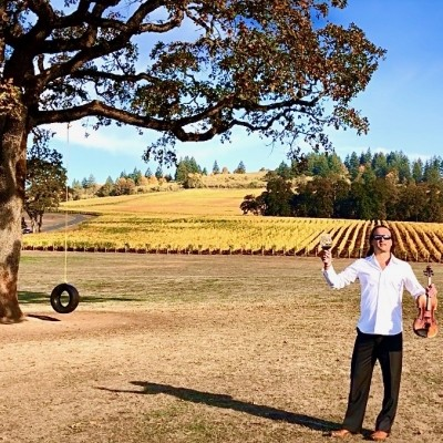 VIP Wine Tour with Oregon Wine Country Guide & Rock Violinist Aaron Meyer